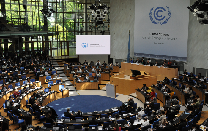 Bonn Climate Change Conference, June 4 2015 by UNclimatechange/Flickr [CC by 2.0]